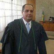 Kleber | Advogado | Direito Constitucional em São Luís (RR)