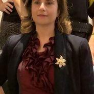 Gabriela | Advogado | Contratos
