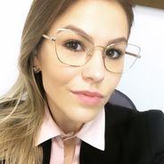 Carolina | Advogado | Contratos