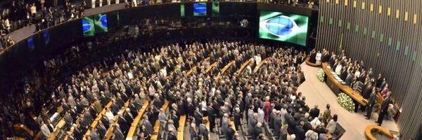 Senado gera polêmica com enquete sobre regulamentação do IGF (Imposto Sobre Grandes Fortunas)