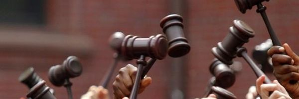 A faculdade ensina a teoria, mas não a prática da advocacia!