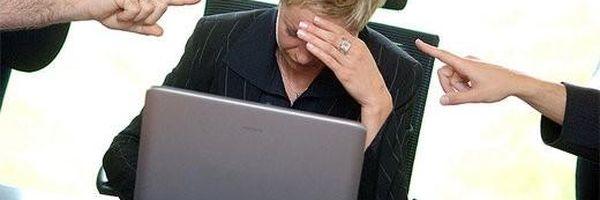 Há algo errado quando um advogado é ameaçado por publicar na web