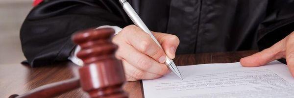 Afinal, quem elabora a sentença? O juiz, o assessor ou o estagiário?