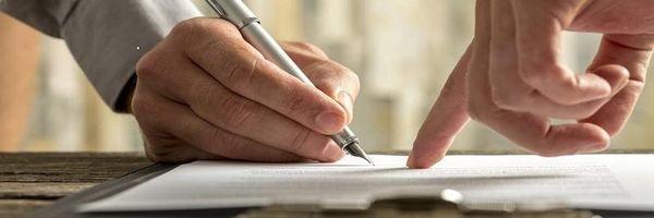 Do contrato empresarial e a mitigação dos deveres de conduta e do dirigismo contratual