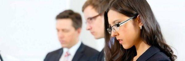 Paráfrase: advogar se aprende advogando