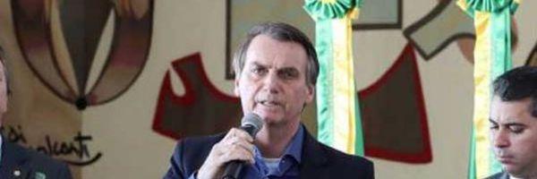Bolsonaro anuncia sanção de lei que garante à mães direito de amamentar em provas de concursos