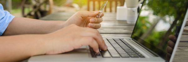 Auxílio Emergencial: saiba como evitar cair em golpes na hora de solicitar o seu crédito.