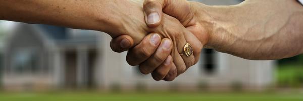 O que é outorga conjugal e o que fazer quando o cônjuge não quer assinar a venda do imóvel.