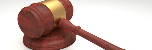 A inconstitucionalidade da execução provisória e a contradição do STJ quanto à execução das penas restritivas de direito