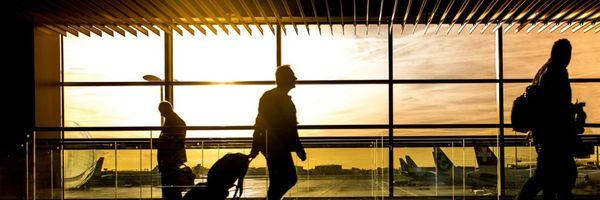 Empresa aérea internacional é condenada por não reembolsar passagens após cancelamento da viagem por motivo de doença grave