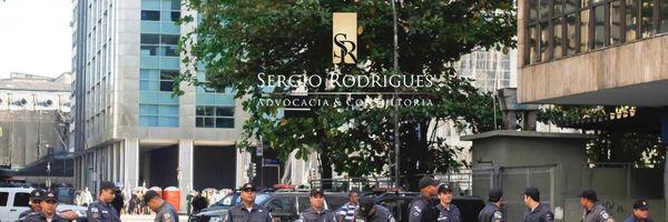 Ex-Policial Militar denunciado em Ação Penal, faz jus à reintegração ao Cargo.