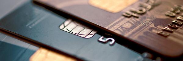 Envio de cartão de crédito sem solicitação, mesmo bloqueado, é prática abusiva e causa dano moral