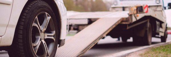 O que acontece com o veículo financiado que foi apreendido em uma ação de busca e apreensão?