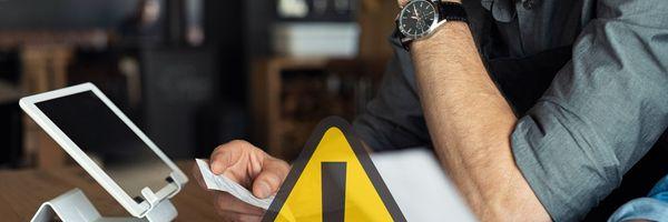 Cuidado! Deduzir imposto de renda com recibos falsos é crime
