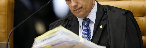 Alvo de ação do STF, advogado tem críticas a ministros, Moro, Lava Jato e Bolsonaro