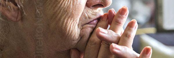 Contrato de empréstimo: idosa analfabeta vai receber indenização de banco