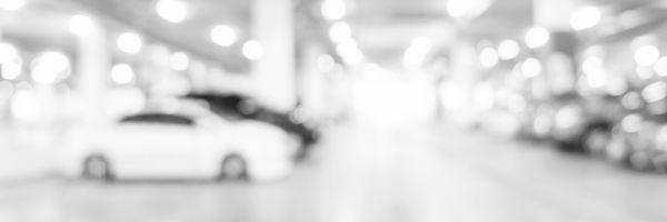 """A famosa plaquinha em estacionamentos: """"Não nos responsabilizamos pelos veículos e objetos deixados no mesmo"""""""