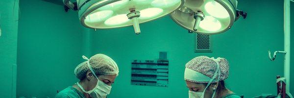 Paciente com gigantomastia tem direito de realizar cirurgia para redução de mamas pelo plano de saúde