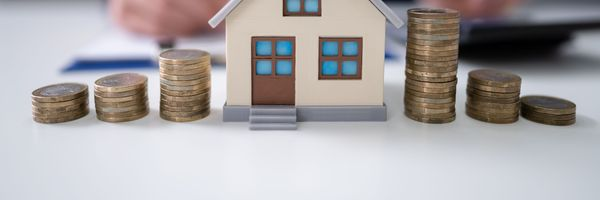 Correção monetária em contrato imobiliário com prazo menor que 12 meses é ilegal