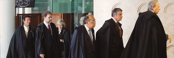 Supremo Tribunal Paradoxal