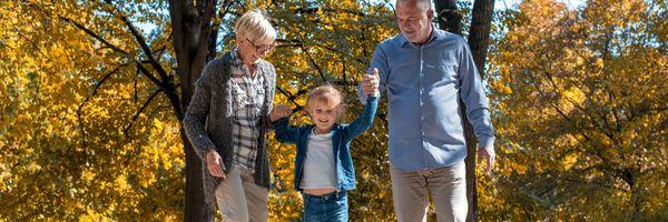 Avô paterno pode convocar demais avós para dividir pagamento de pensão ao neto, decide STJ