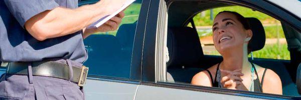 Fui multado enquanto estava com a permissão para dirigir, e agora?