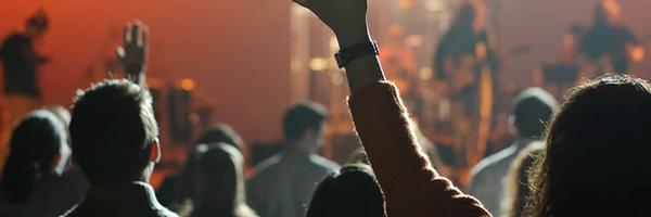Mulher acidentada em festival de música será indenizada por organização do evento