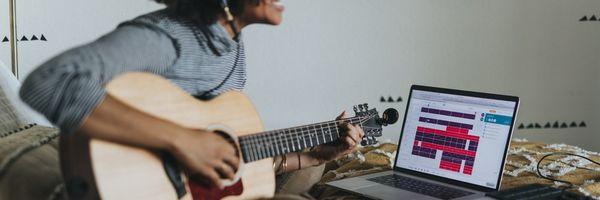 """""""Um artista estourando no TikTok é a pessoa mais vulnerável"""" — entenda a importância das licenças de direitos autorais sobre beats"""