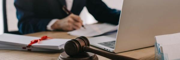 Carreiras no Direito: conheça as áreas promissoras para os recém-formados