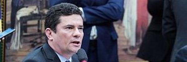 """Comissão retira prisão em segunda instância de """"pacote anticrime"""" de Moro"""