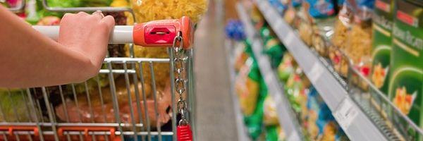 Acordo coletivo não pode prever desconto em vale-alimentação por falta no trabalho