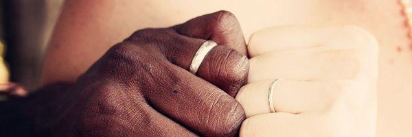 Posso retirar o sobrenome do marido e continuar casada?