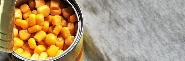 Após encontrar larvas em lata de milho, consumidor será indenizado no interior do Estado