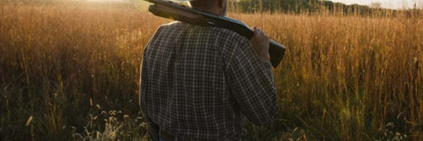 Bolsonaro sanciona projeto que permite posse de arma em toda a área rural