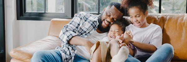 Justiça rejeita ação negatória de paternidade; vínculo socioafetivo deve se sobrepor ao biológico