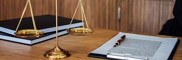 Por que contratar um advogado(a) em um processo administrativo?
