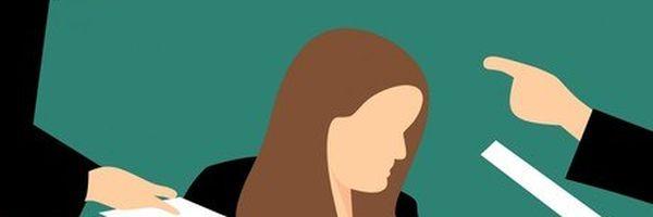 Assistente consegue manter rescisão motivada por assédio moral durante gravidez