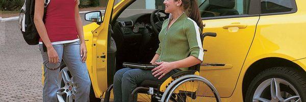 Projeto isenta pessoas com deficiência e taxistas na compra de veículos elétricos