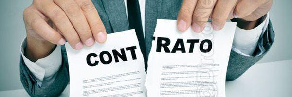 Imobiliária deve restituir proprietária de imóvel por rescisão de contrato sem aviso prévio
