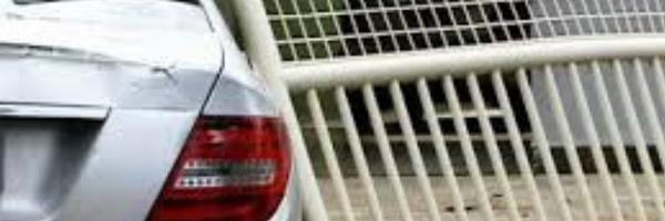 TJES – Condomínio é condenado a indenizar homem após porta de prédio atingir carro estacionado