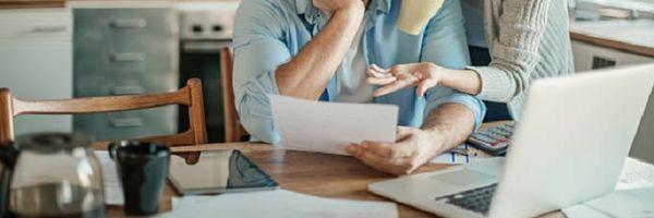 STJ: Dívida contraída em favor de filhos não pode ser redirecionada a cônjuge não citado