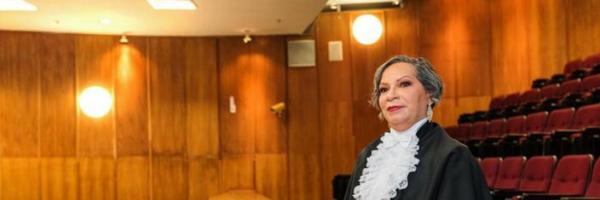 Estudante se formará em Direito na mesma instituição onde começou como faxineira