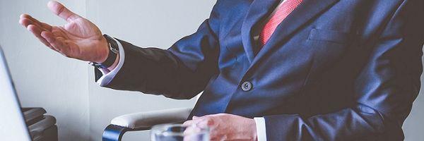 Quais cláusulas são essenciais à constituição do contrato social?