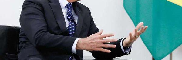 Bolsonaro nega proposta para acabar com estabilidade de servidores públicos