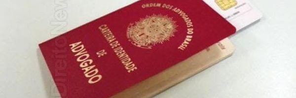 Advogada, irmã de traficante, esfrega a carteira da OAB no rosto de policial