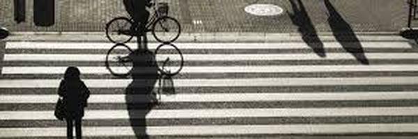 Pedestres e ciclistas podem ser multados?
