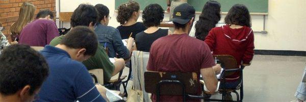 Tribunal garante vaga de professor para diplomado na Venezuela