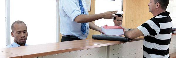 Dispensa do reconhecimento de firma e autenticação de documento.