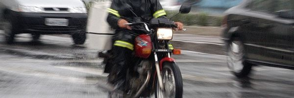 Motoboys e Motociclistas têm direito a adicional de periculosidade