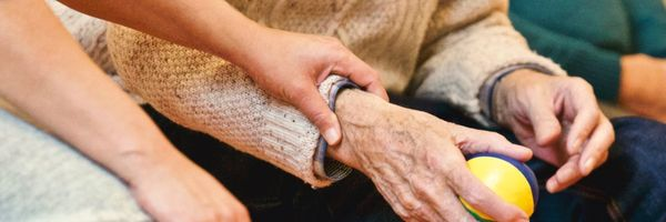 Plano de Saúde deve fornecer Atendimento Domiciliar (Home Care) a paciente, mesmo não havendo previsão contratual
